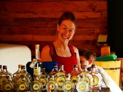 Zveme Vás na největší ochutnávky ovocných destilátů do Vlčkovy palírny z Lačnova ve Valašském muzeu v přírodě